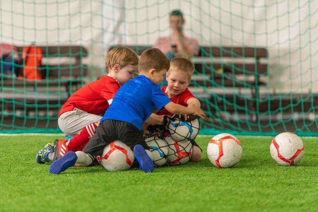 futbol-dlya-detej-5-let-1024x683.jpg